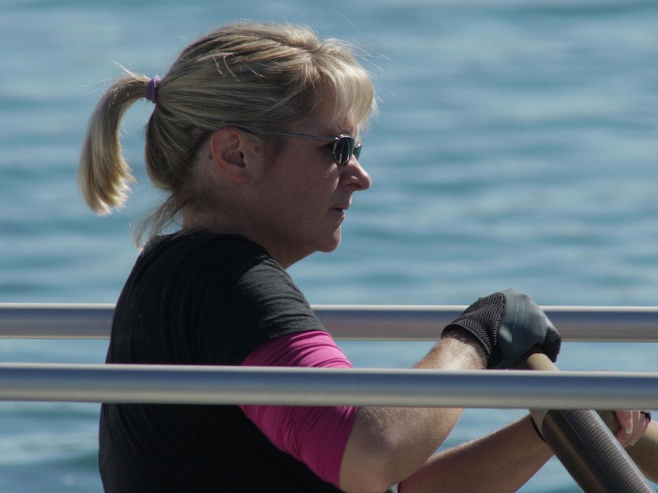 Bird advocate rows Southern California coast to spread awareness