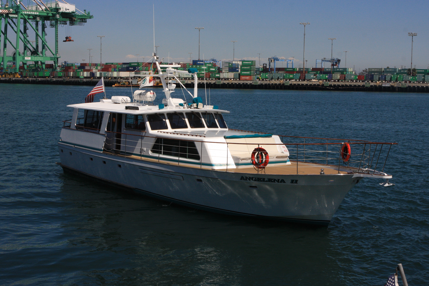 Port sinks 'Angelena' yacht tour program