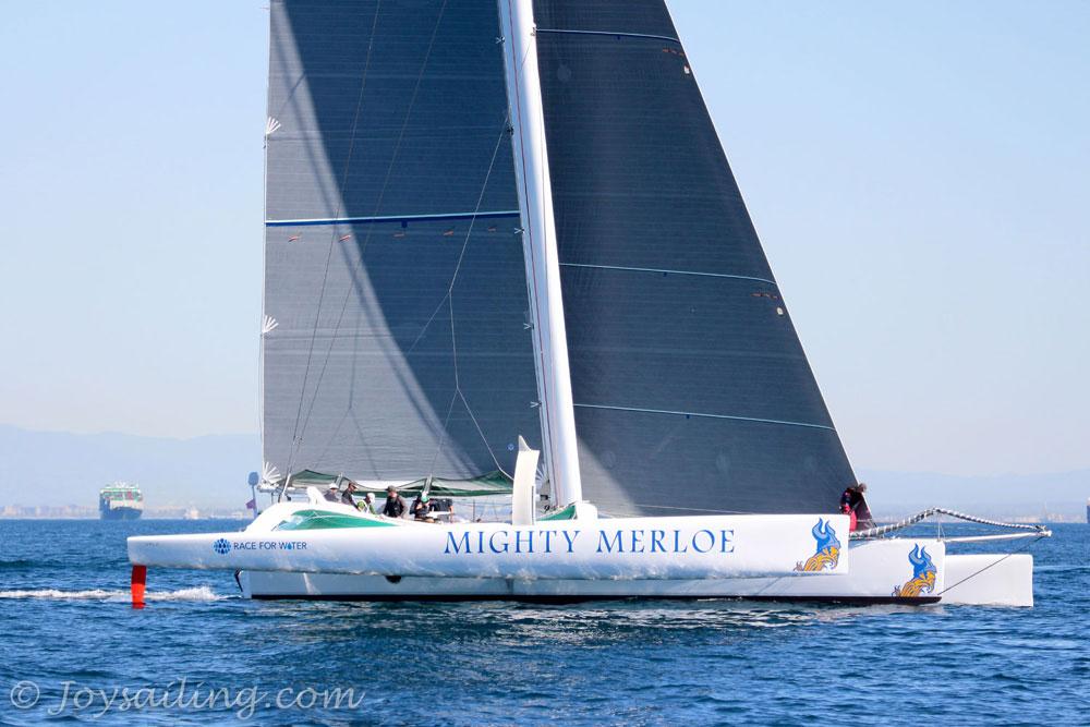 Mighty Merloe breaks Islands Race course record
