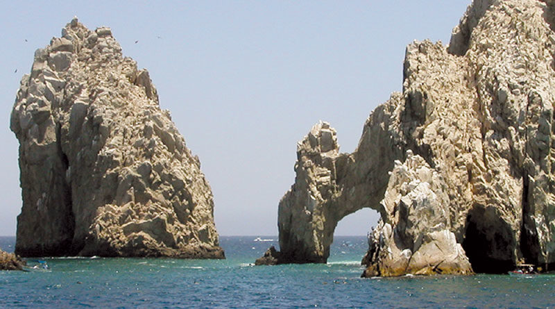 Mexico Studying Vessel Traffic at Cabo's Arches