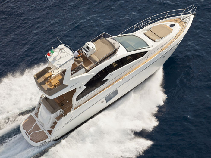 See the Latest Yachts at the Lido Yacht Expo