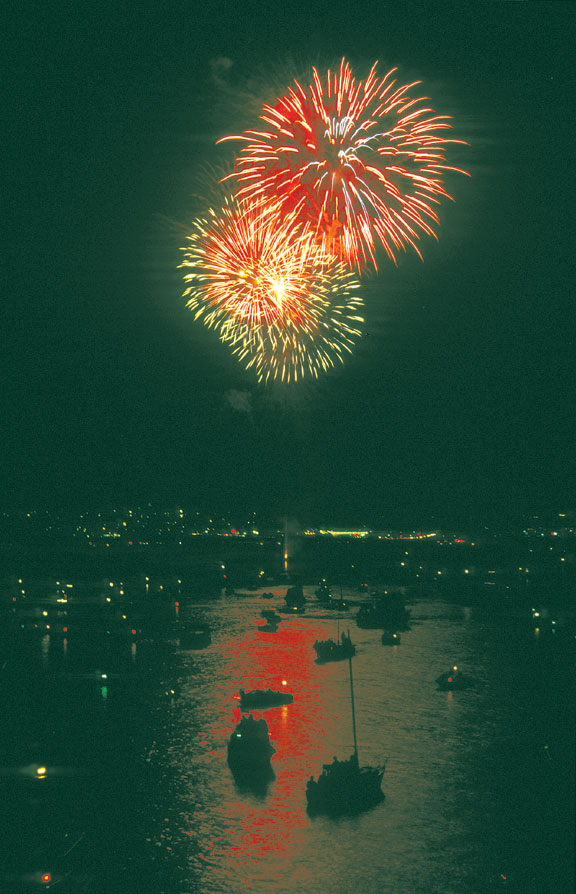 New Year's Fireworks Give Boaters the Best View