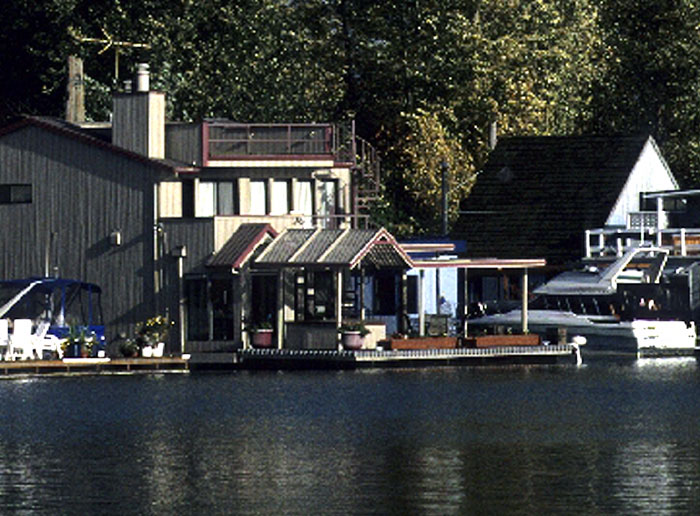 Supreme Court Rules Floating Home Is Not a Boat