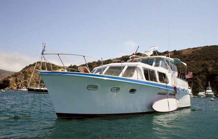 Man Buys 41-foot Motoryacht for Rural Pond