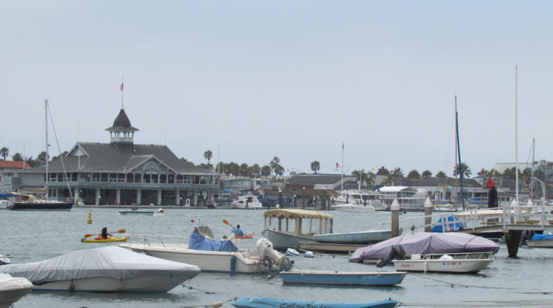 Newport Beach Committee Considers Alternative Mooring Systems