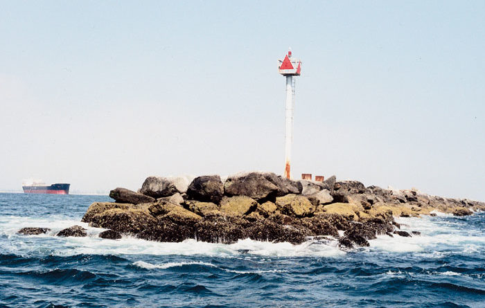 LB Votes to Move Breakwater Study Forward