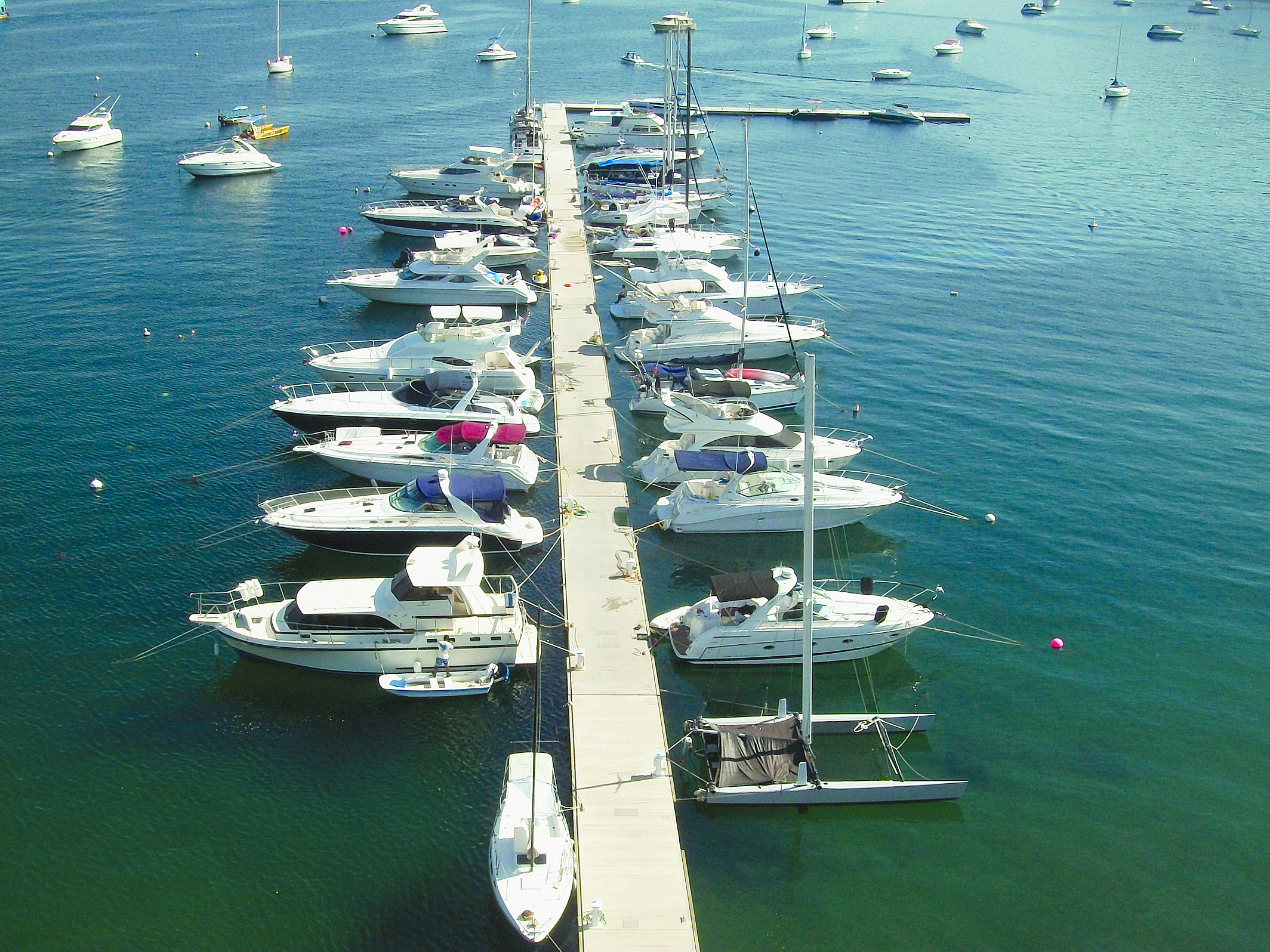 New Docks Installed at La Marina Acapulco