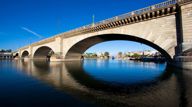 Lake Havasu City fights British attack on London Bridge