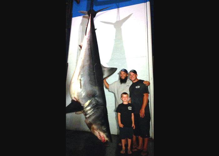 Angler's 1,325.5-pound Mako Catch May Set Record