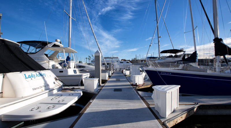 New docks and waterside promenade at Marina City Club Marina