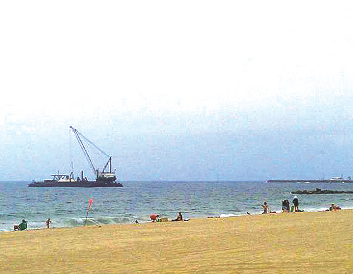 MdR Dredging Moves Sand to Replenish Redondo Beach