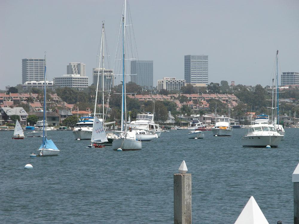 Newport Beach mayor scraps floating docks idea