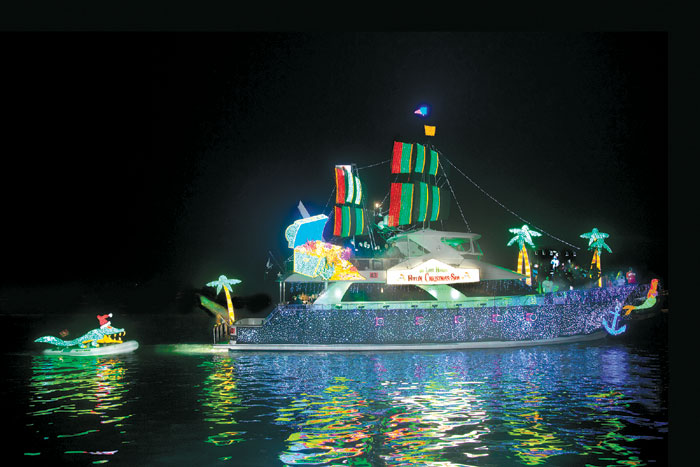 Newport's Christmas Boat Parade Seeks Early Entries