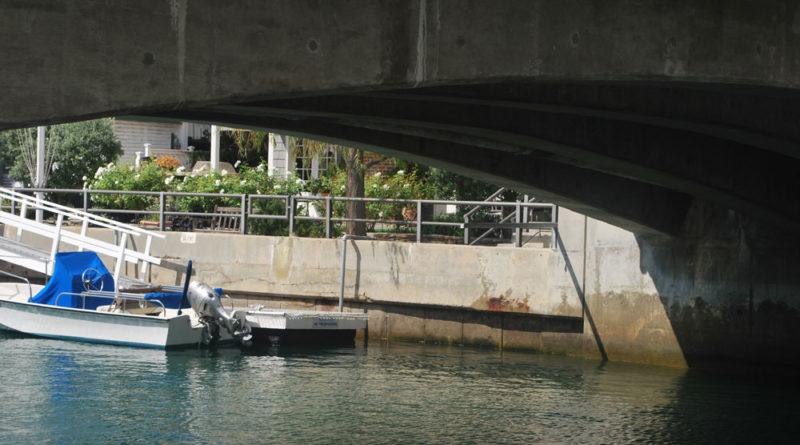 Long Beach committee reviews seawall dock fee