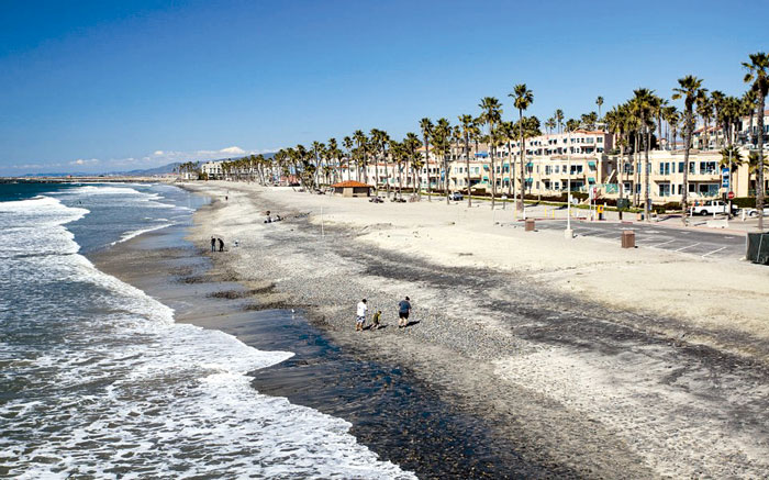 Oceanside Harbor Entrance Dredging Puts Sand on Beaches