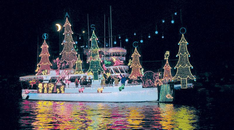 Holiday Boat Parades Begin