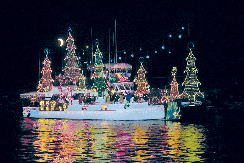 Holiday Boat Parades Begin