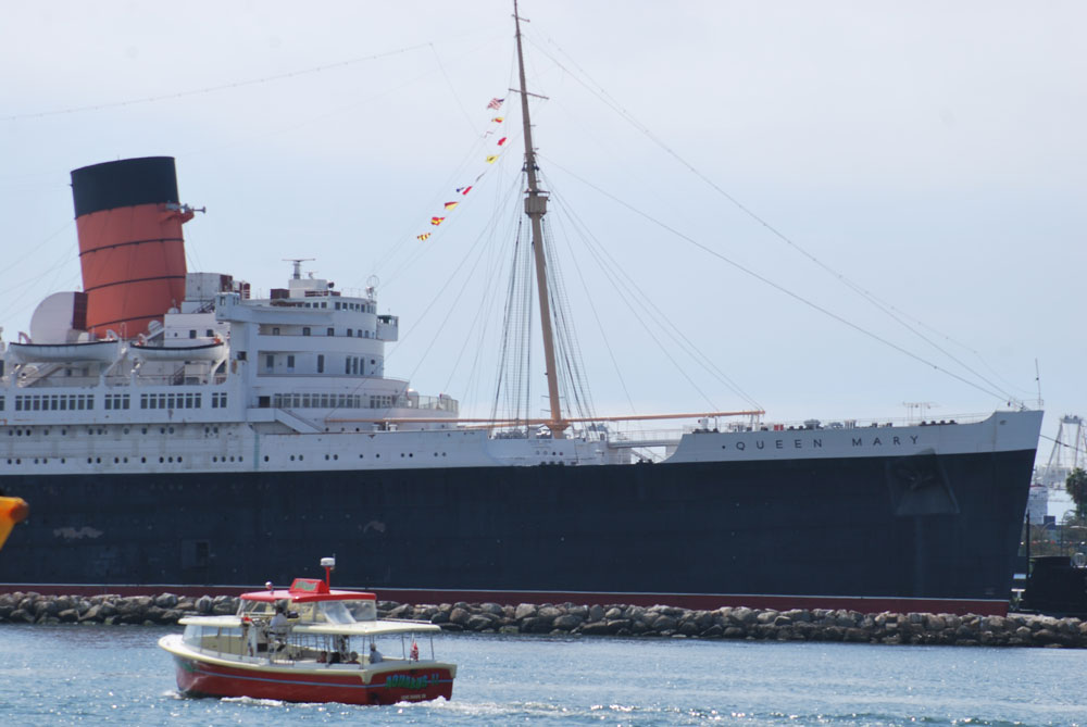Shops aboard Queen Mary given short-term reprieve