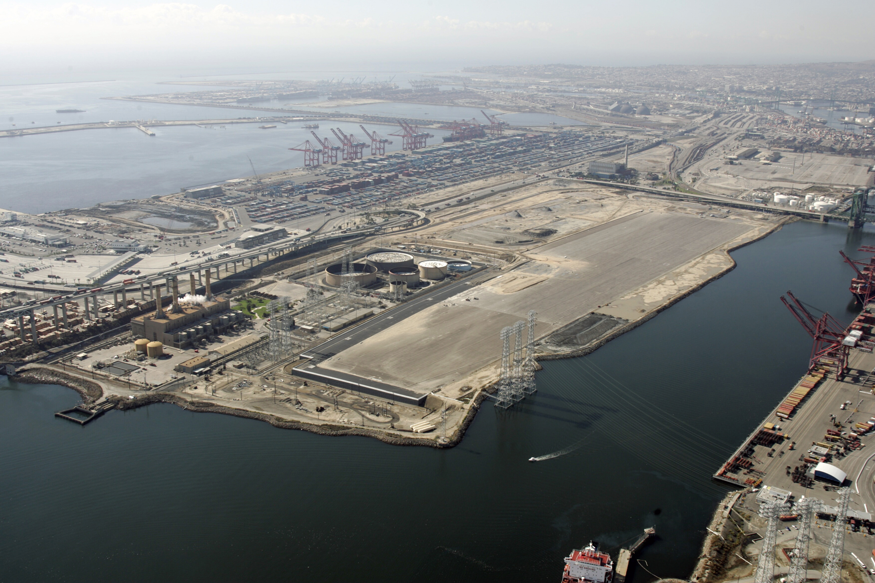 Los Angeles, Long Beach ports tackle small ship radiation concerns
