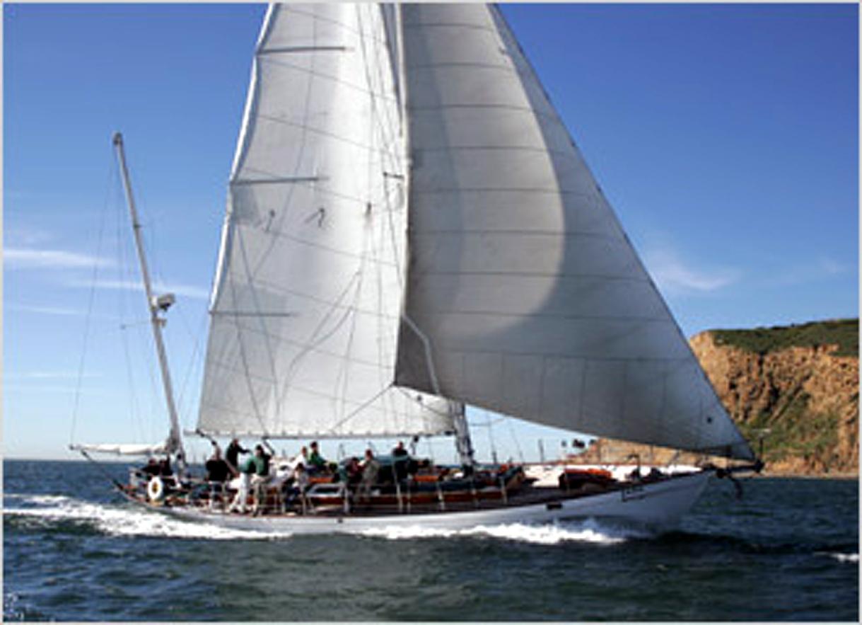 Classic Yacht Jada Restored to Former Glory