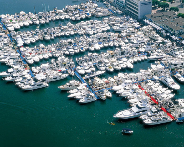 Newport Boat Show Sets Records for Attendance; Number of Large Yachts Shown
