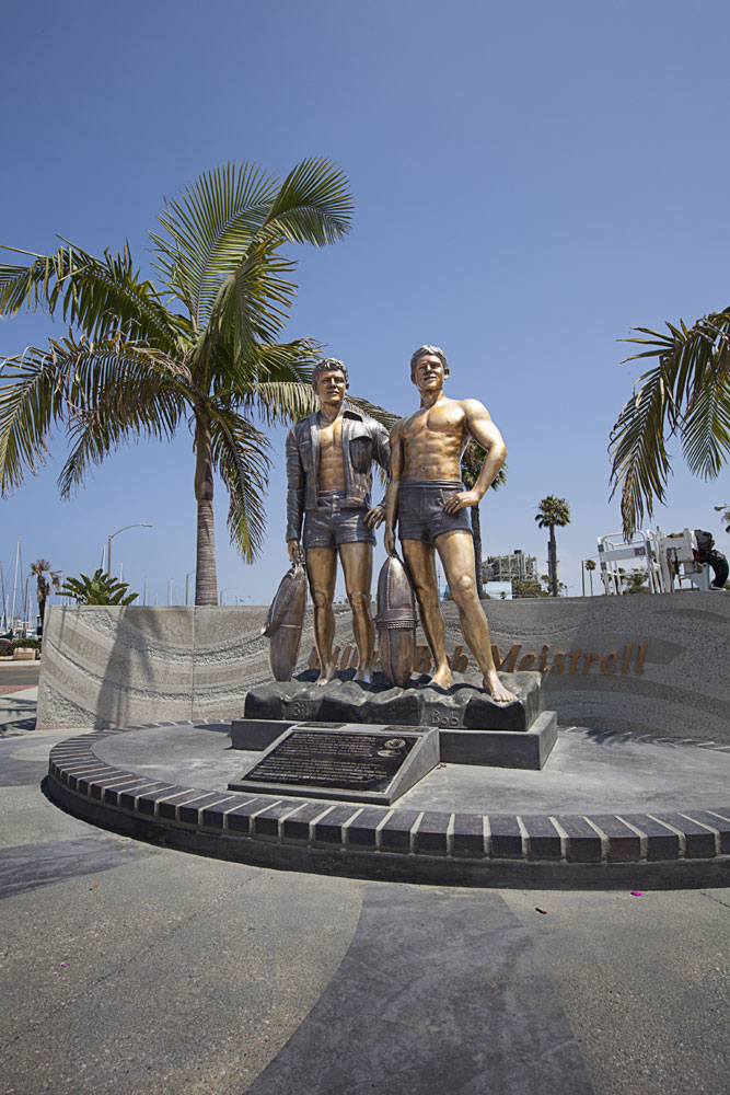 Statue immortalizes Body Glove founders