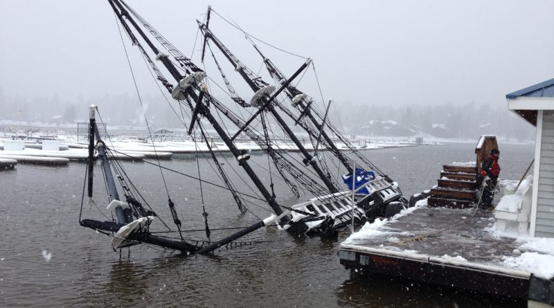 Pirate Ship to be pulled Out of the Drink