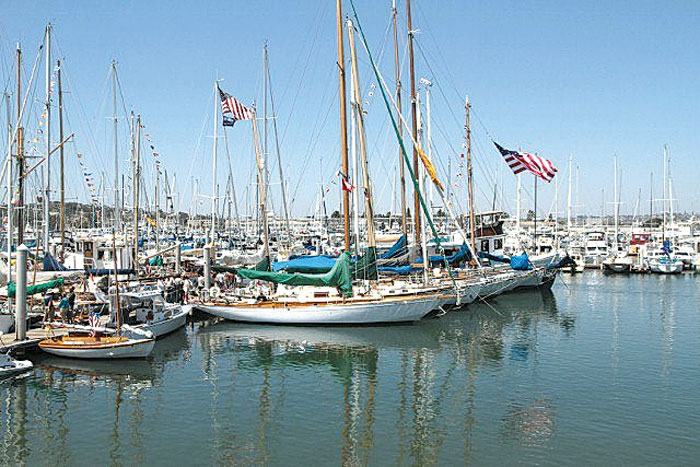 Dads Flock to San Diego Wooden Boat Festival