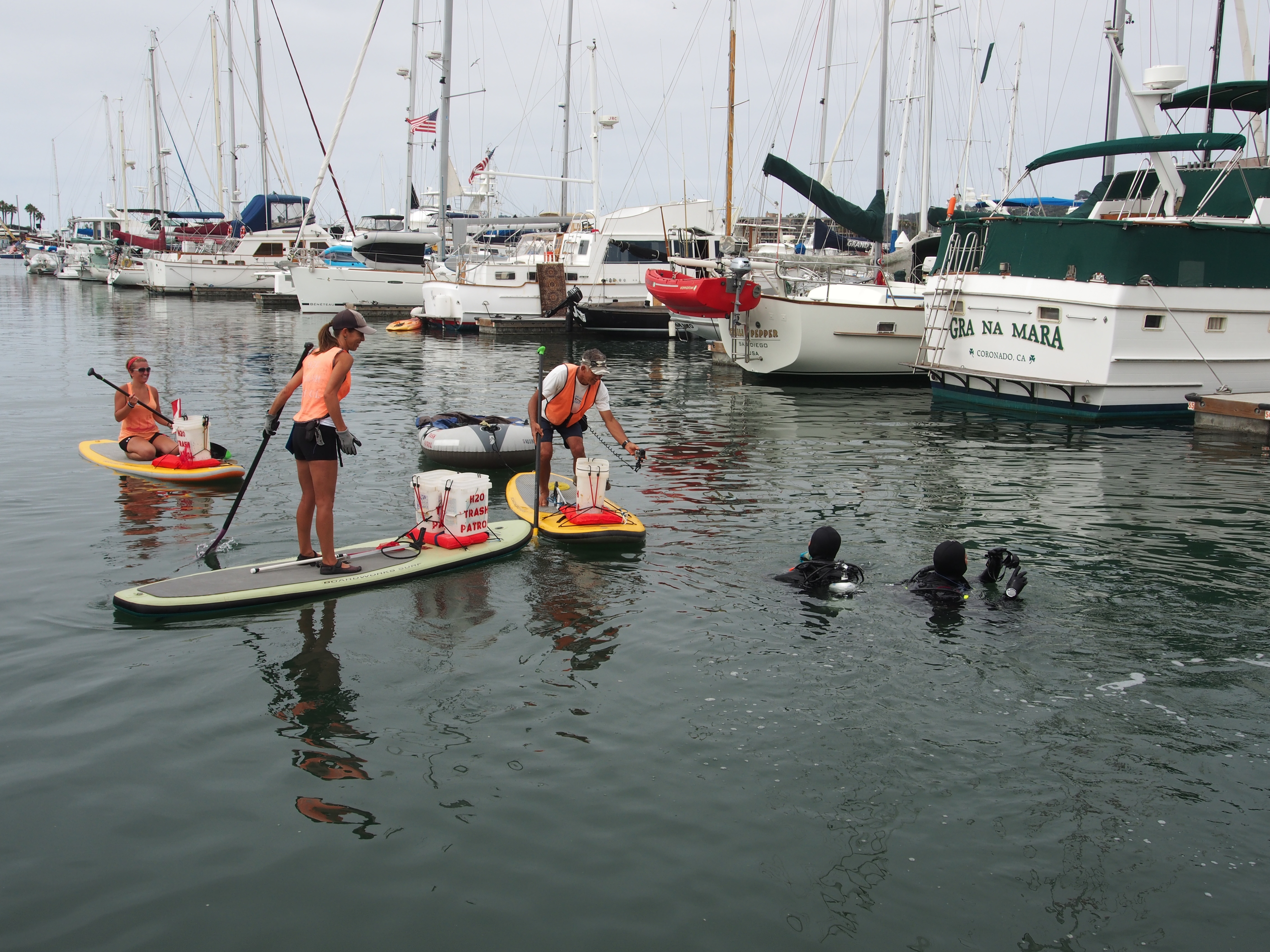 Sun Harbor Marina rid of underwater debris during volunteer cleanup
