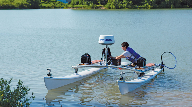 Students attempt to bring driverless technology to recreational boating