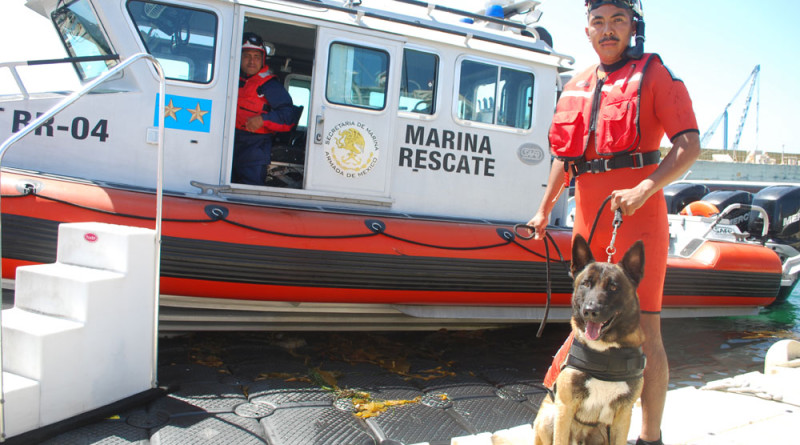 Mexican Navy works with American boaters
