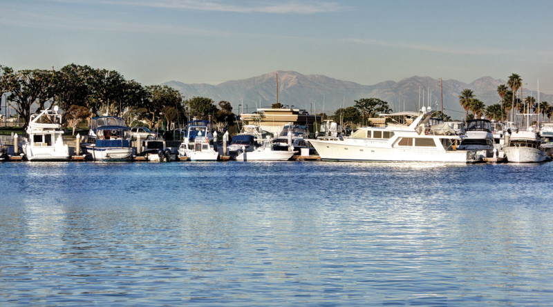 Ownership group plans to shut down Huntington Harbour's lone fuel dock