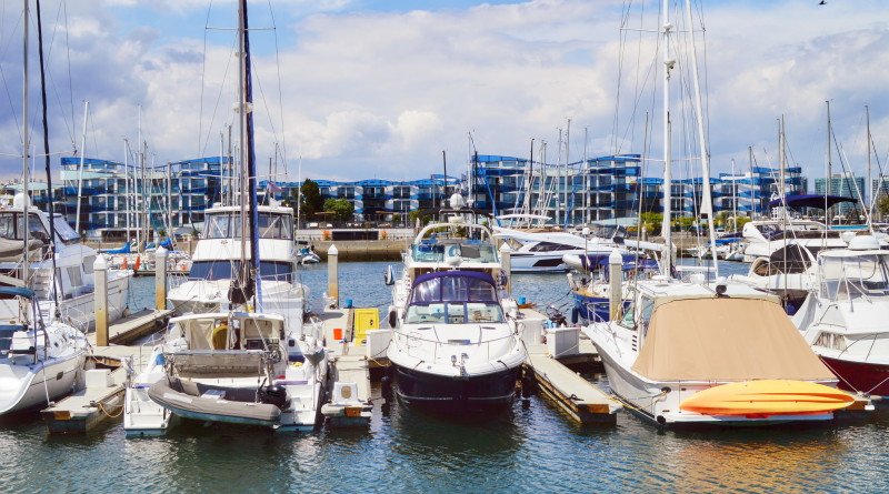 Marina del Rey will continue to maintain a balance of small and large boats, county officials said at a recent Small Craft Harbor Commission meeting.