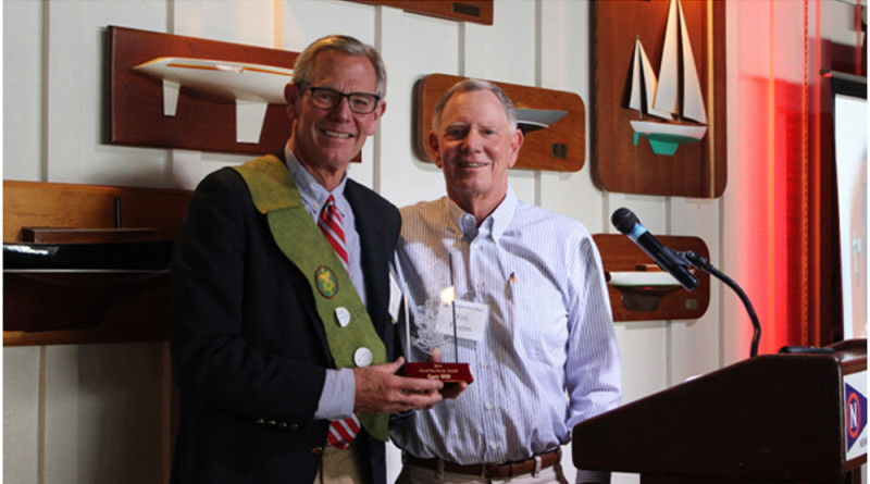 Gary Hill (left) accepts the 2016 Good Sea Scout Award from past honoree, Tim Hogan (right).