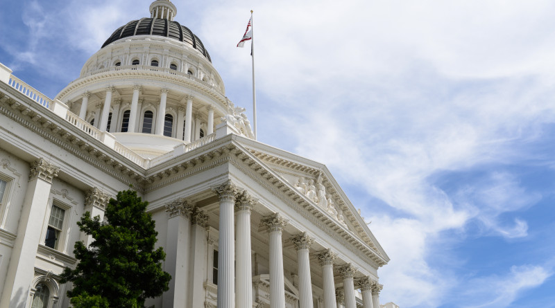 Both Bills – Senate Bill 1190 (SB 1190) and Assembly Bill 2002 – would restrict how ex parte communications function within the California Coastal Commission. Currently commissioners are asked to report any ex parte communications to the state agency within seven days of the meeting but commissioners do not always follow this requirement.Brandon Bourdages/Shutterstock